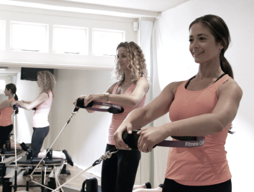Using your side/ oblique muscles on the Reformer at Peacock Pilates is a great way to stay lean and strong